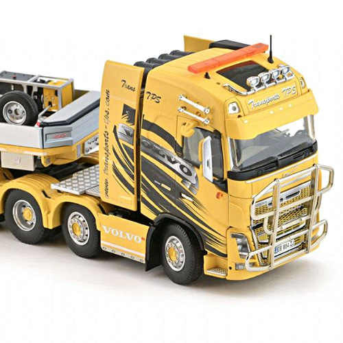 [IMC Models] 1/50 Volvo FH04 Globetrotter 8x4 with Nooteboom MCO PX 2+6 axle Transports Pierre Sarhy TPS [34898]